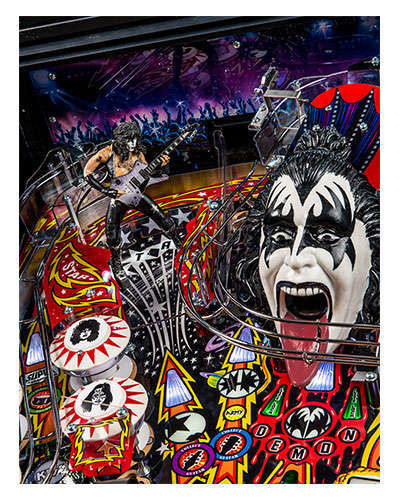 Kiss Pro pinball details at Joystix 1